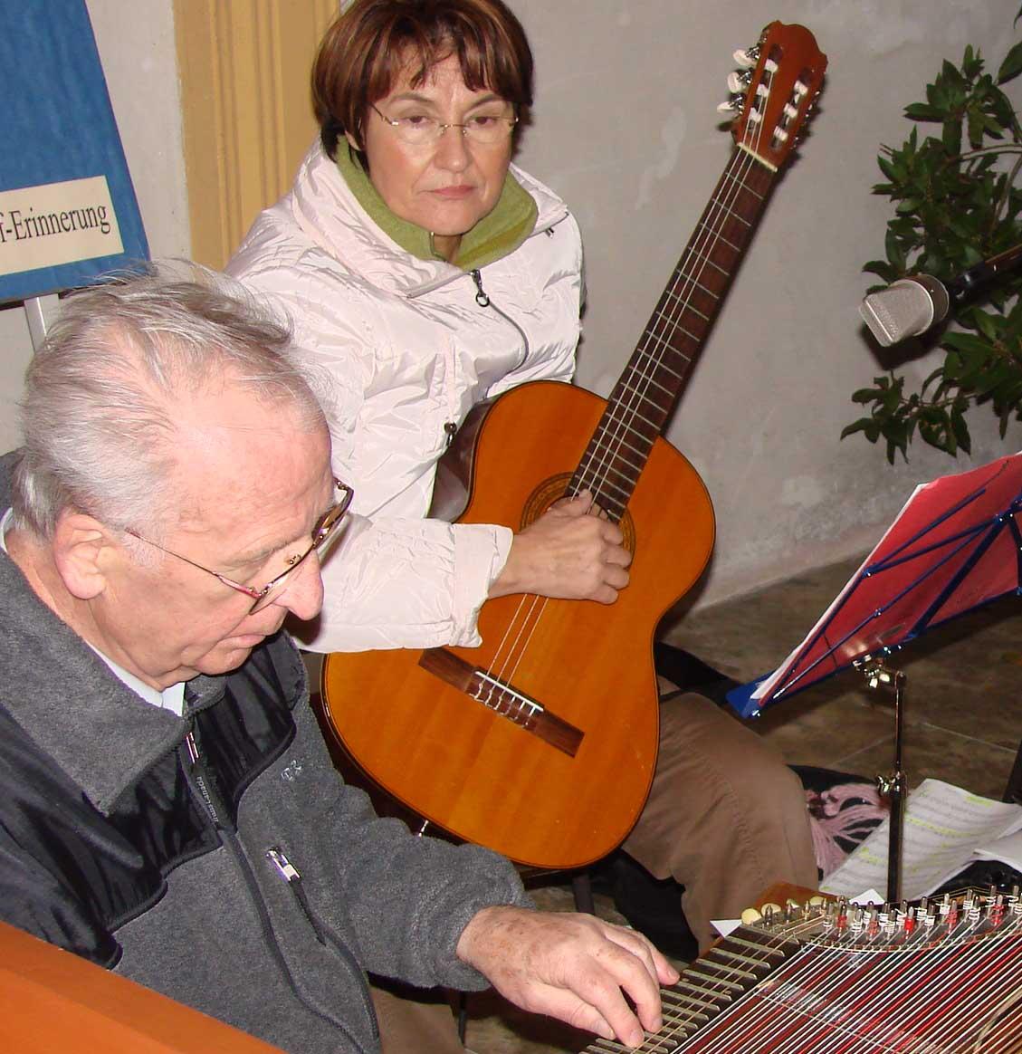 Zither und Gitarre