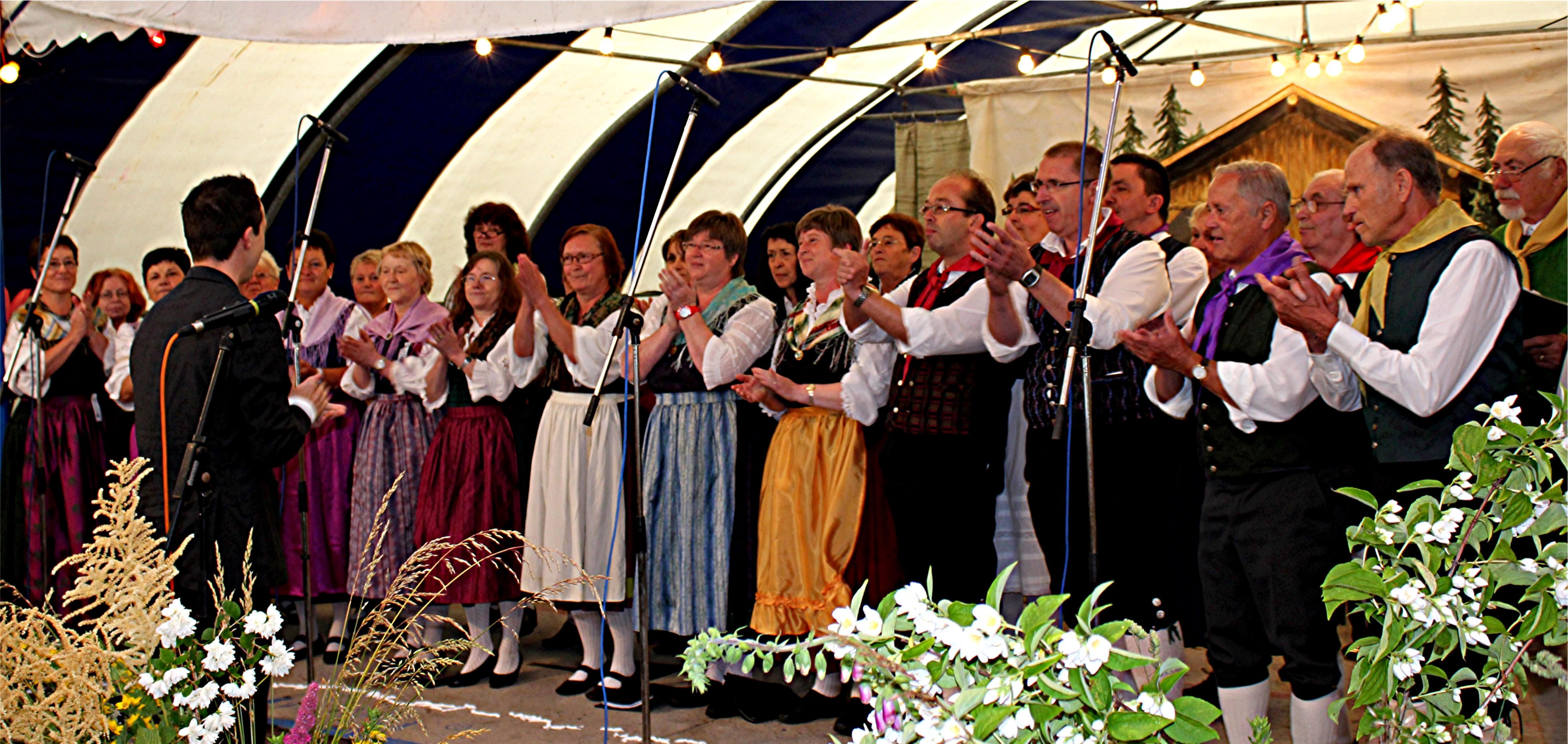 Folkloreensemble Neuhaus